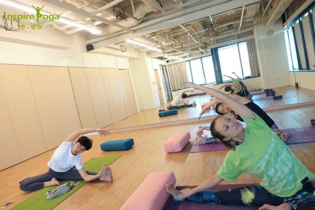 正念瑜伽 (Amanda老師)