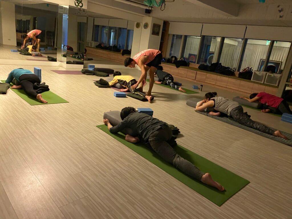 修復瑜伽 Restorative Yoga